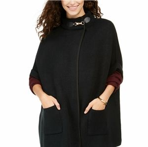 Cejon Solid Riding Cape With Welt Pockets